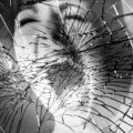 Как отогнать беду, если разбилось зеркало?